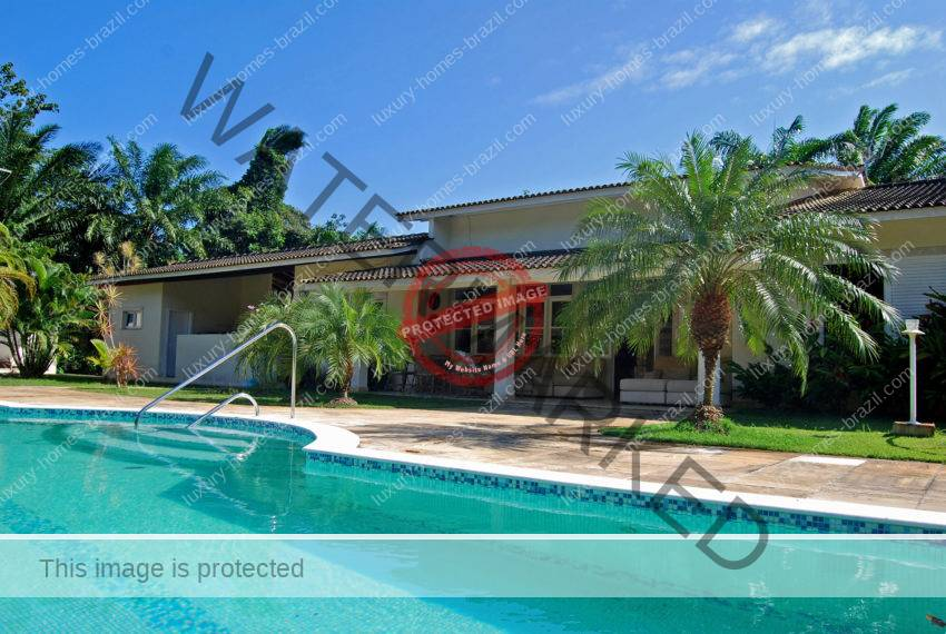 Beautiful home for sale in Encontro das Aguas