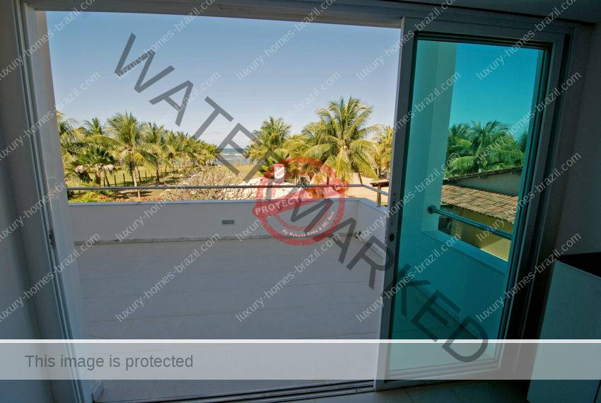 Frontbeach home for sale in Itacimirim15