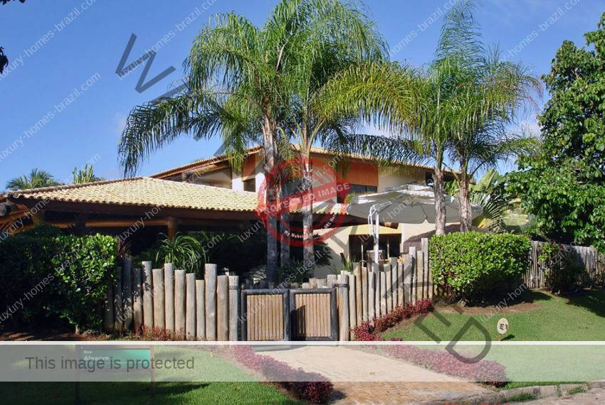 Luxury home for sale in Busca Vida Resort1