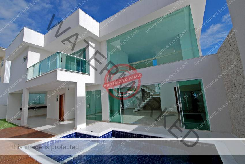 Alphaville Litoral Norte Elegant home for sale