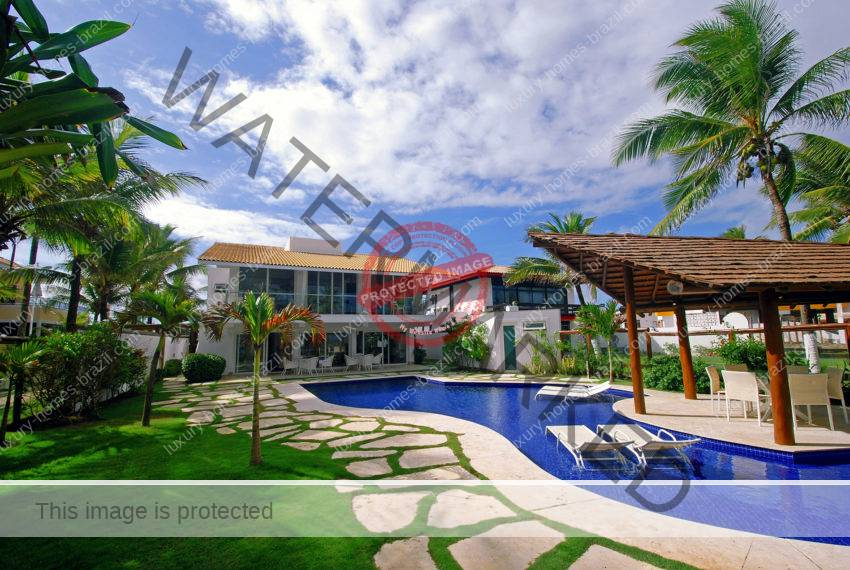 Vilas do Atlantico beachfront home fore sale