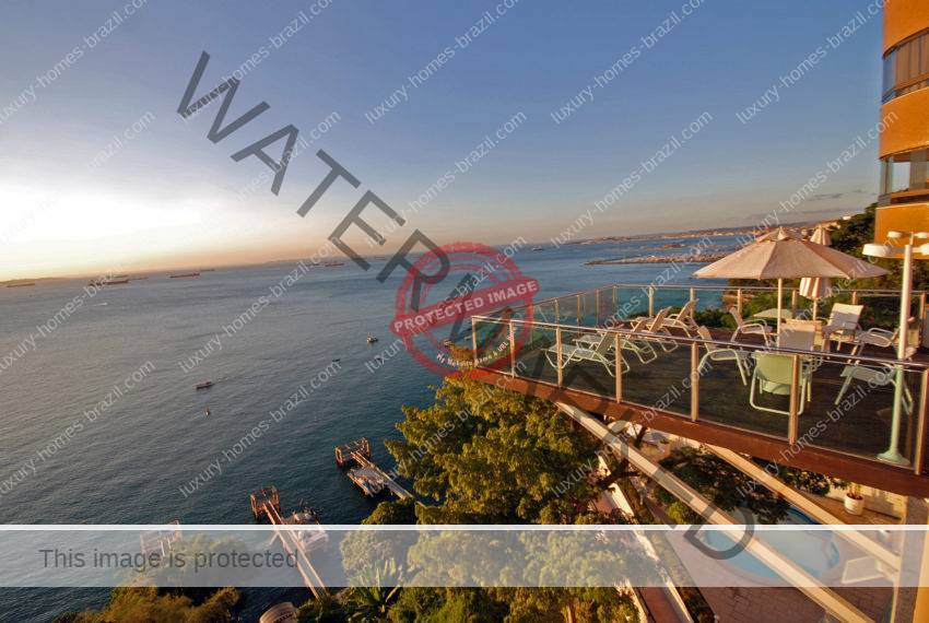 Salvador Luxury penthouse with bay view for sale in Vitoria