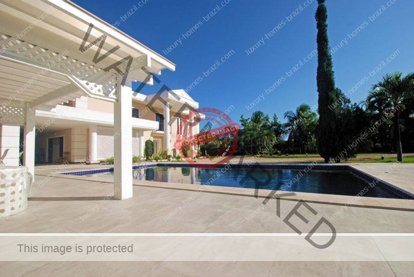 Elegant home for sale in Encontro das Aguas