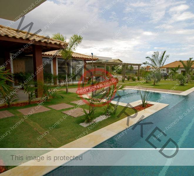 Stunning home with pool for sale Busca Vida