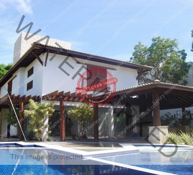 Lakefront home for sale in Busca Vida