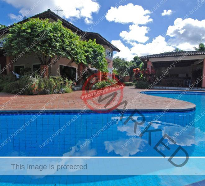 Home for sale on Estrada do Coco