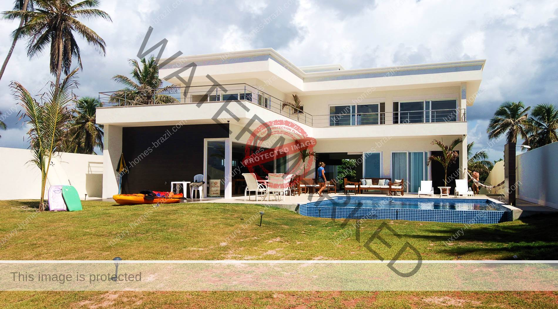 Luxury beachfront home for sale barra de jacu pe luxury for Luxury beachfront property for sale